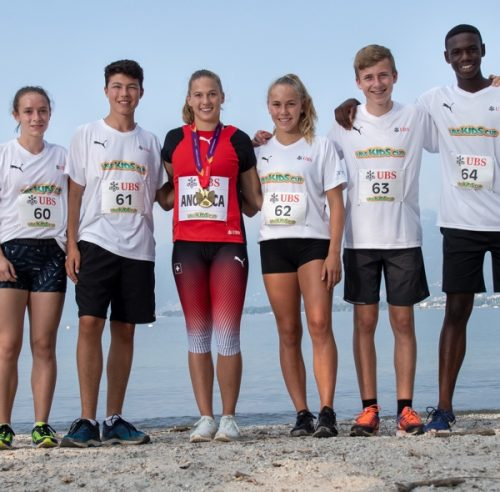 Angelica Moser besucht das UBS Kids Cup Training Camp