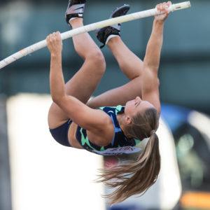 Angelica Moser springt zum Einstieg 4,51m